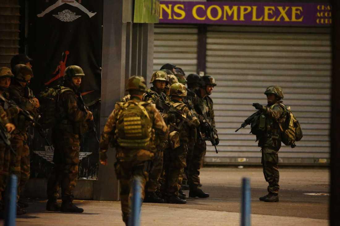 En stor insats genomförs i Saint-Denis i norra Paris.