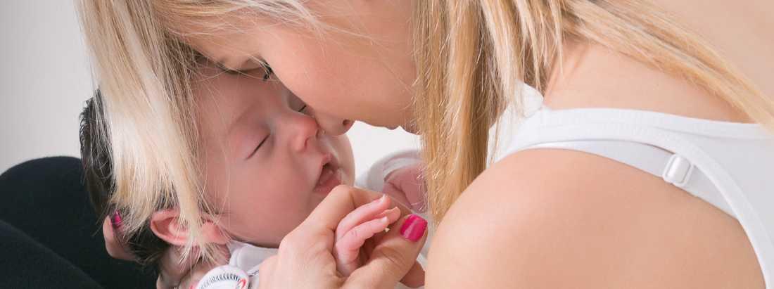 Regeringen satsar 500 miljoner extra på förlossningsvården.