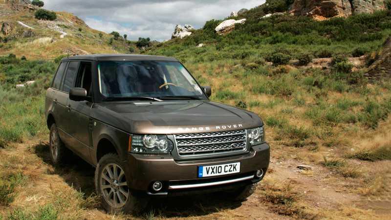 Range Rover var först med att lansera en jeep för både terräng och stadsmiljö. I dag har de flesta tillverkare en liknande modell men ingen slår Range Rover. Foto: Johannes Collin