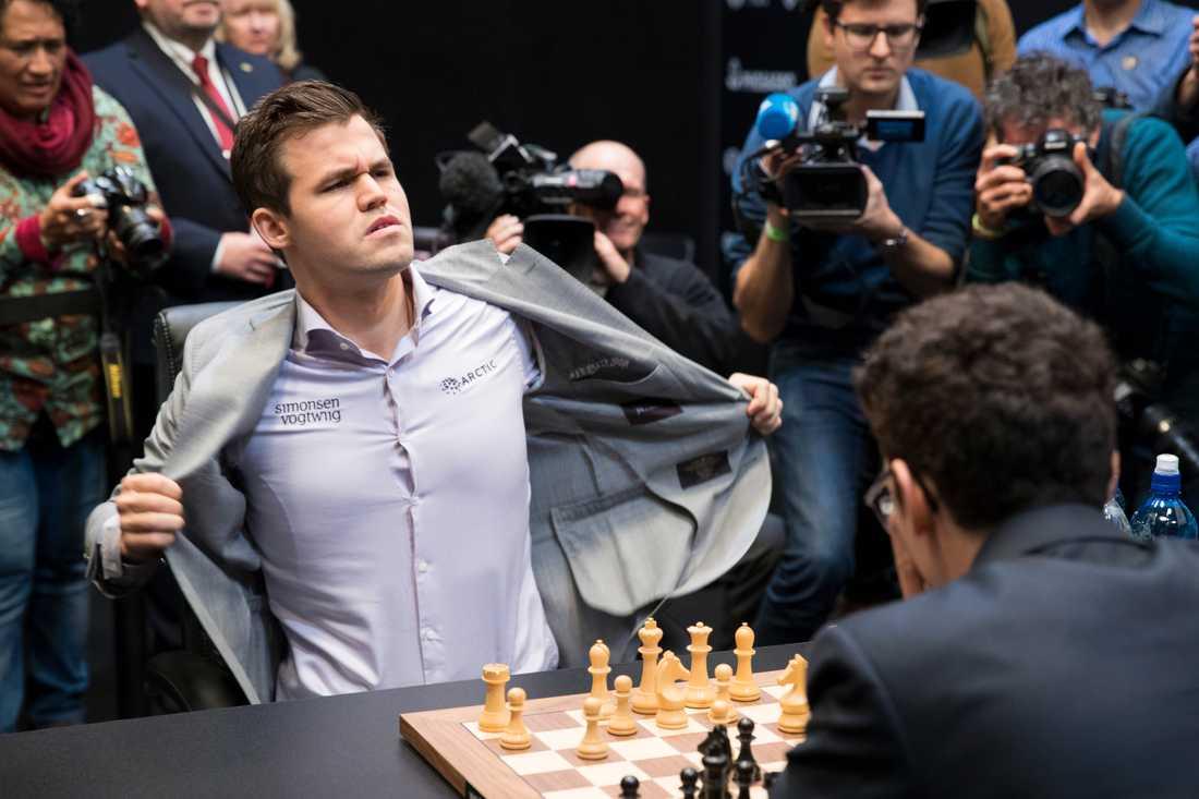 VM-matchen i schack mellan Magnus Carlsen och Fabiano Caruana avgjordes i The College in Holborn i London.