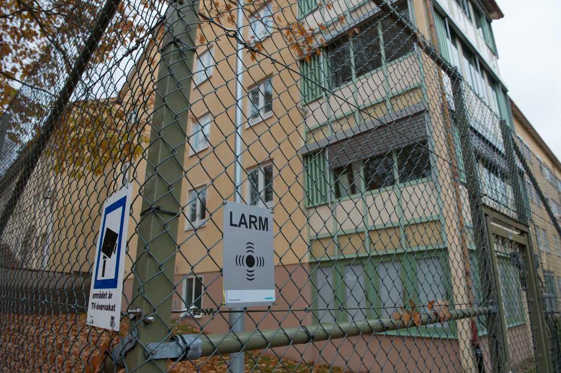 Kommunen vill flytta barnen till en tom avdelning i anslutning till rättspsyk i Säter.