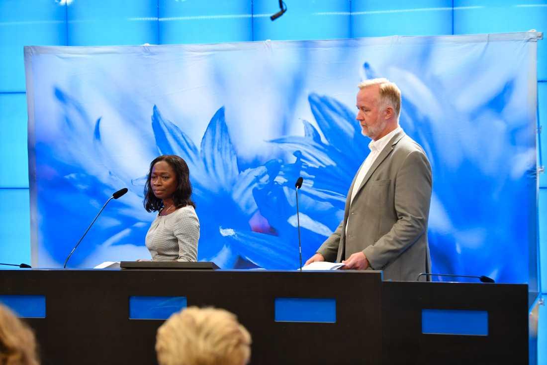 Nyamko Sabuni och Johan Pehrson, Liberalernas rättspolitiske talesperson, presenterade i dag en miljardsatsning på brottsförebyggande arbete, fler poliser och fler åklagare.