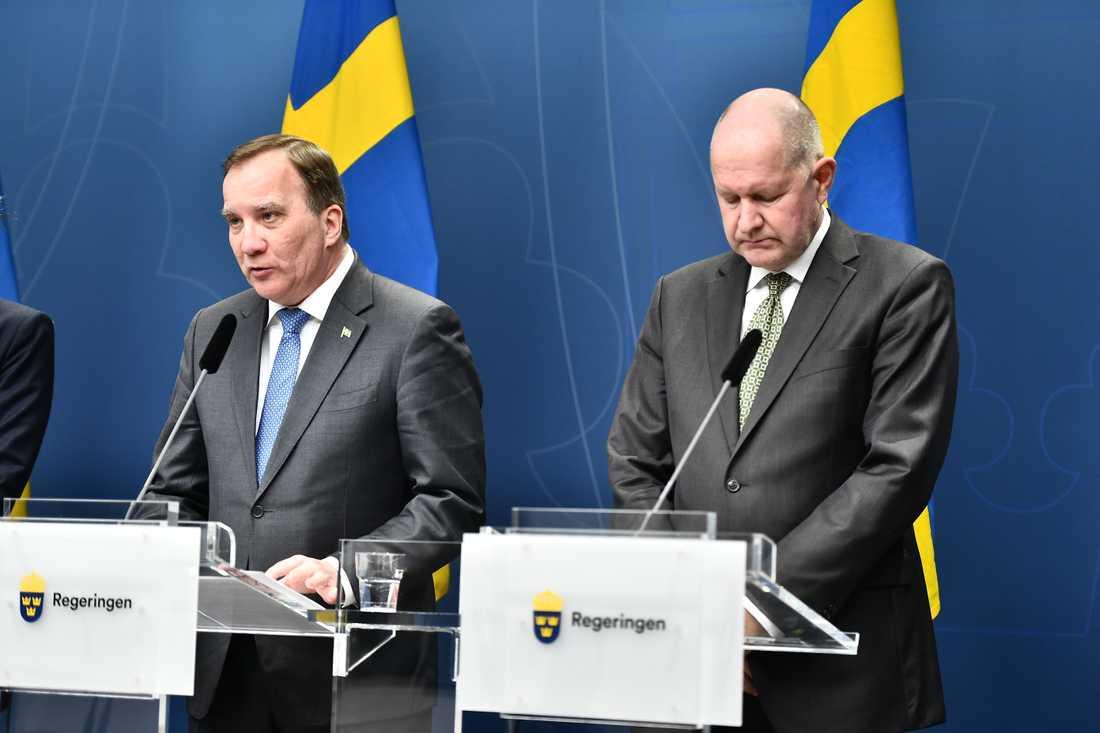Statsminister Stefan Löfven och Dan Eliasson, generaldirektör för MSB