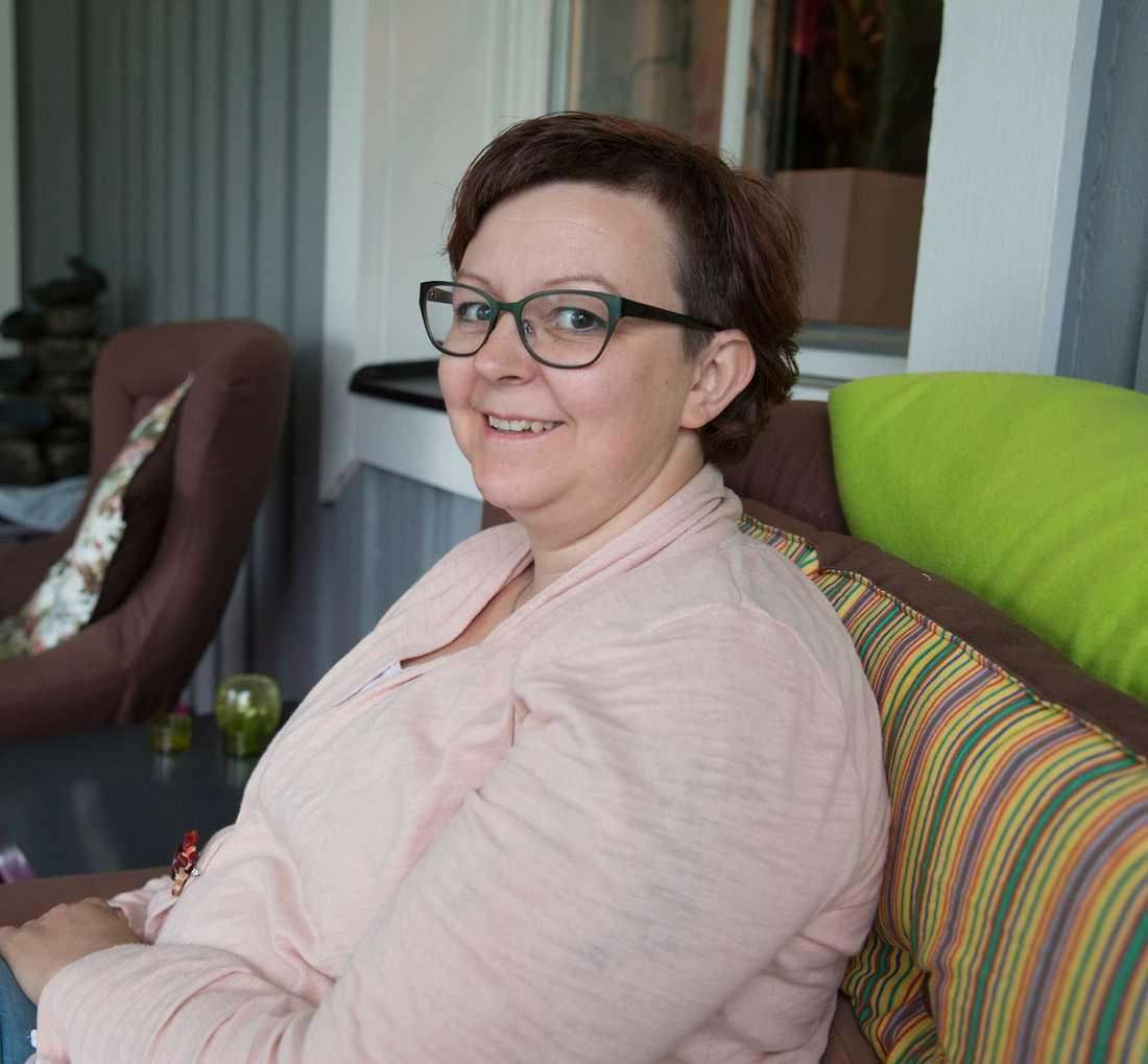 Carina Ekman när Aftonbladet intervjuade henne sommaren 2016. Då hade hon ännu inte fått den operation som skulle återställa hennes underliv.