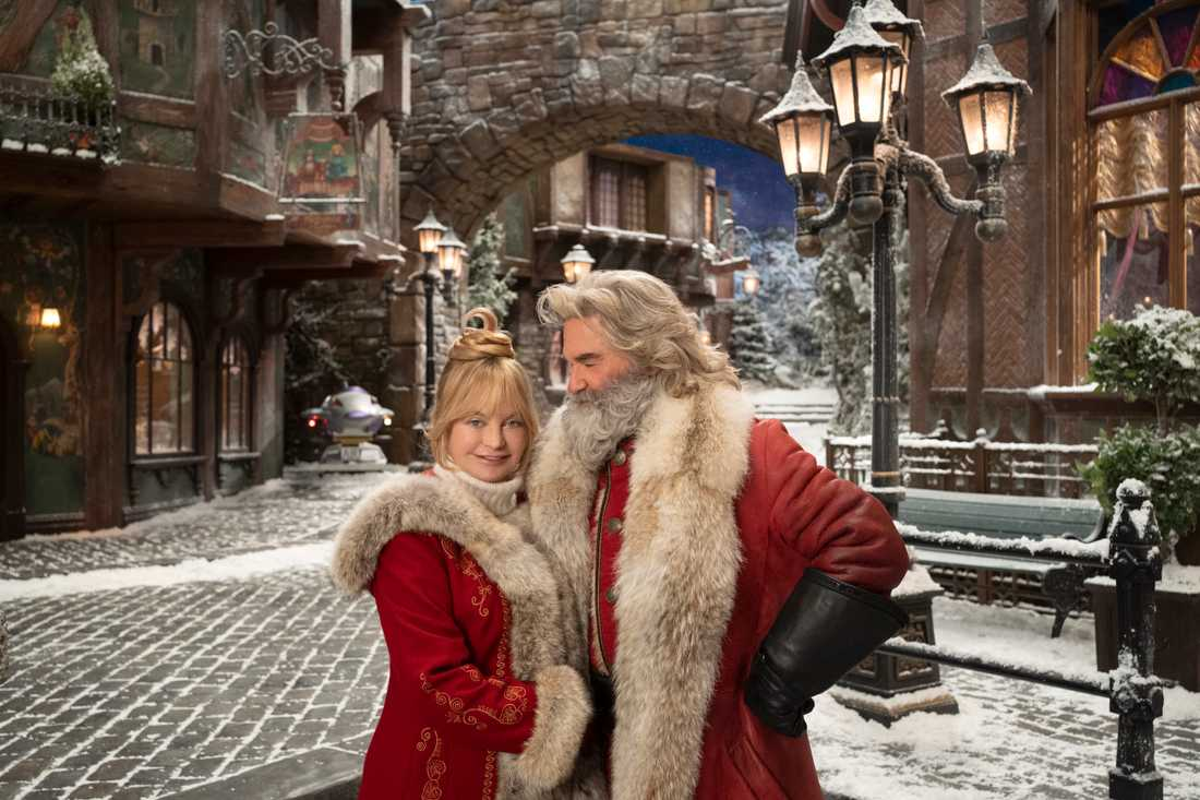 "Goldie Hawn och Kurt Russell i ""The christmas chronicles 2""."