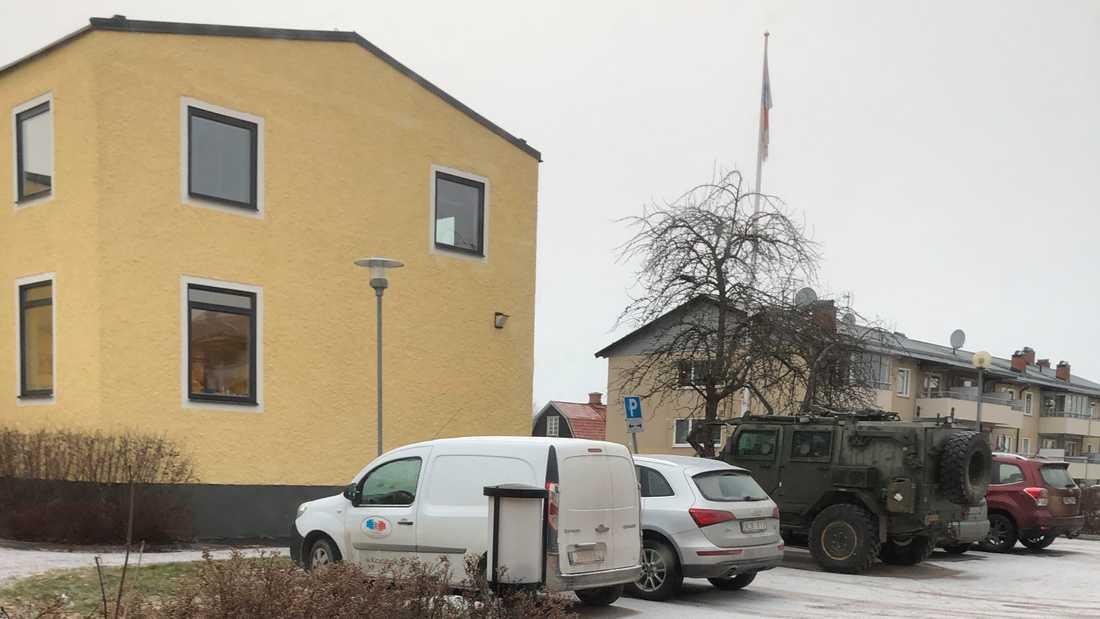 Det ena fordonet hittades på en gästparkering utanför ett äldreboende i Tillberga i Sala kommun. Arkivbild.