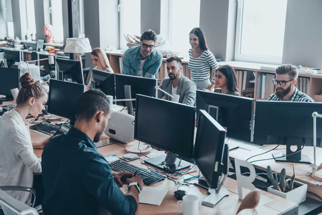 Lätta möbler och flexibla zoner spås bli vardag på framtidens kontor – till skillnad från hur det kan se ut på många arbetsplatser i dag. Arkivbild.