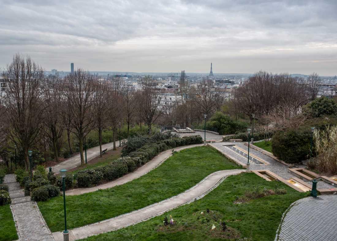 Paris stängda parker ska nu övervakas av helikopter för att upptäcka eventuella folksamlingar som trotsat virusrestriktionerna.