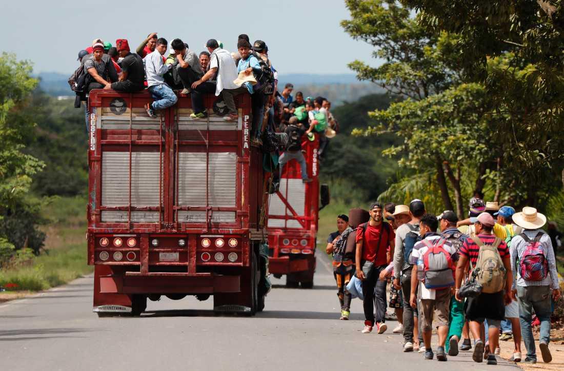 Migranter från Centralamerika som korsar Mexiko i hopp om att ta sig till USA. Arkivbild