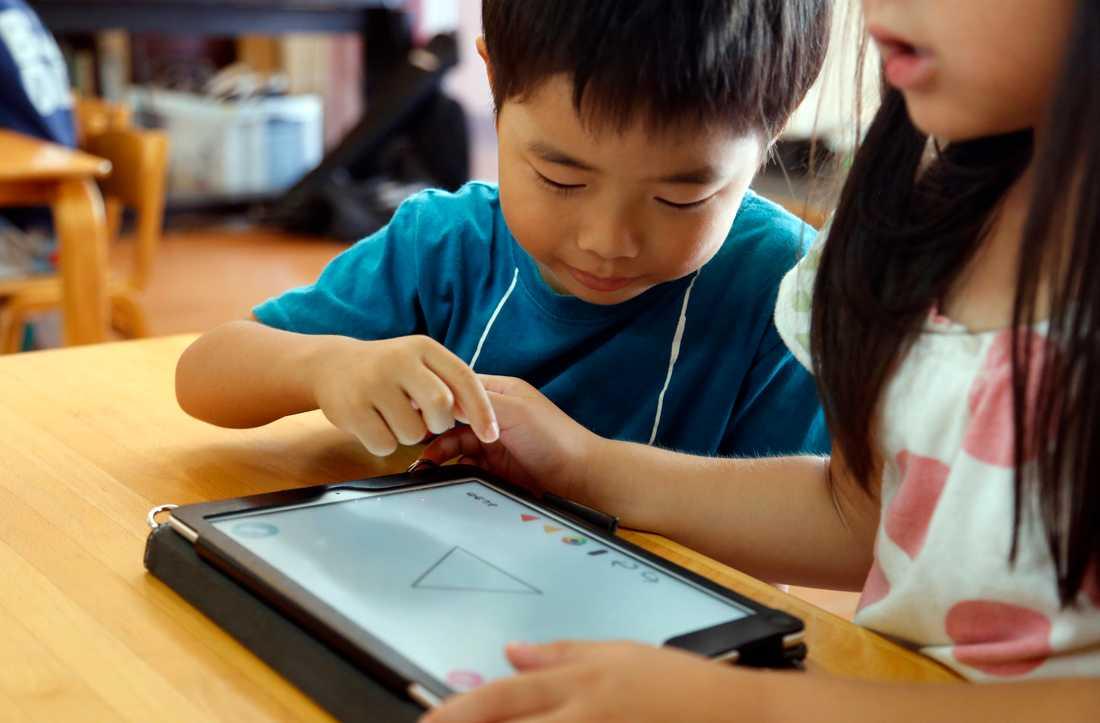 Nina Campioni är emot Skolverkets förslag om mer skärmtid för barn.