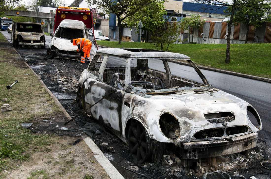 Ytterligare en utbränd bil i Husby