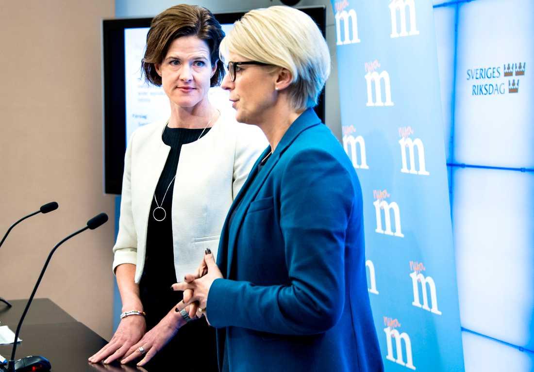 Anna Kinberg Batra och Elisabeth Svantesson Foto: LOTTE FERNVALL