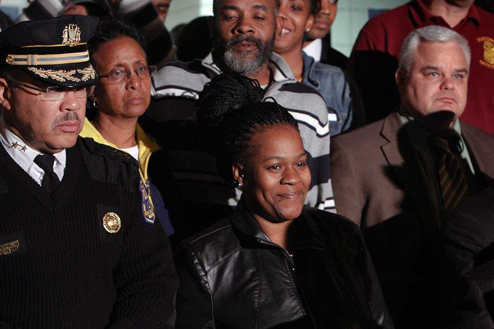 Lycklig mamma Keisha Gaither uttryckte vid en presskonferens stor lycka och lättnad över att hennes dotter hittats vid liv.