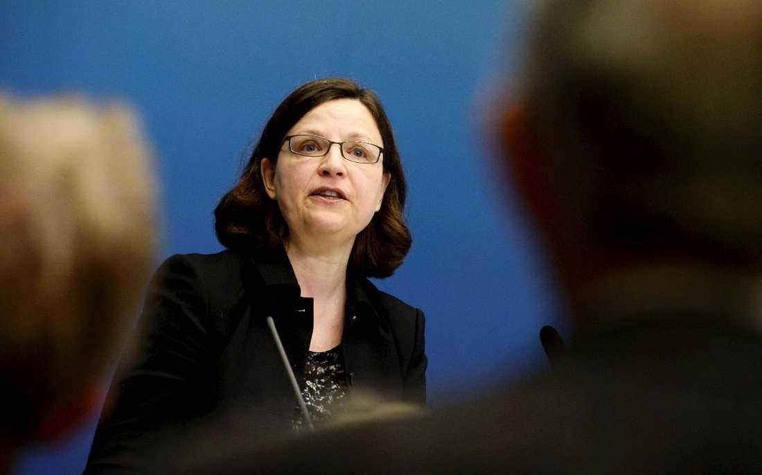 Första riktiga arbetsveckan för statsrådet Anna Ekström.