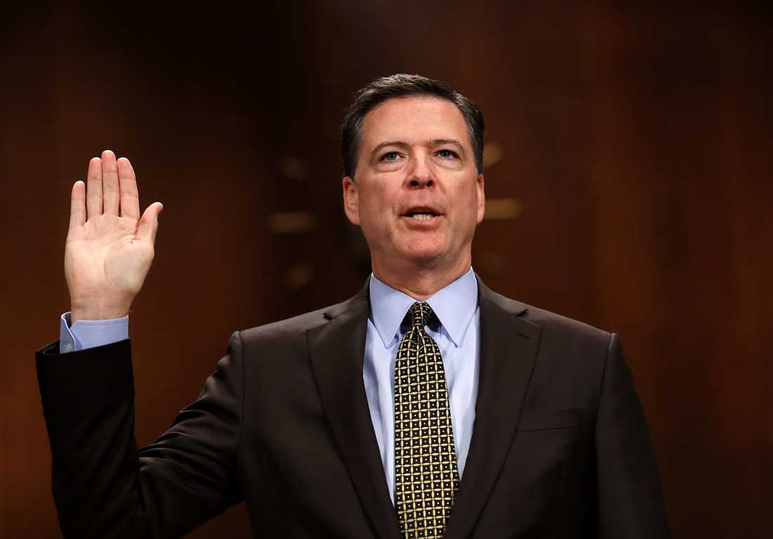 Sparkade FBI-chefen James Comey.