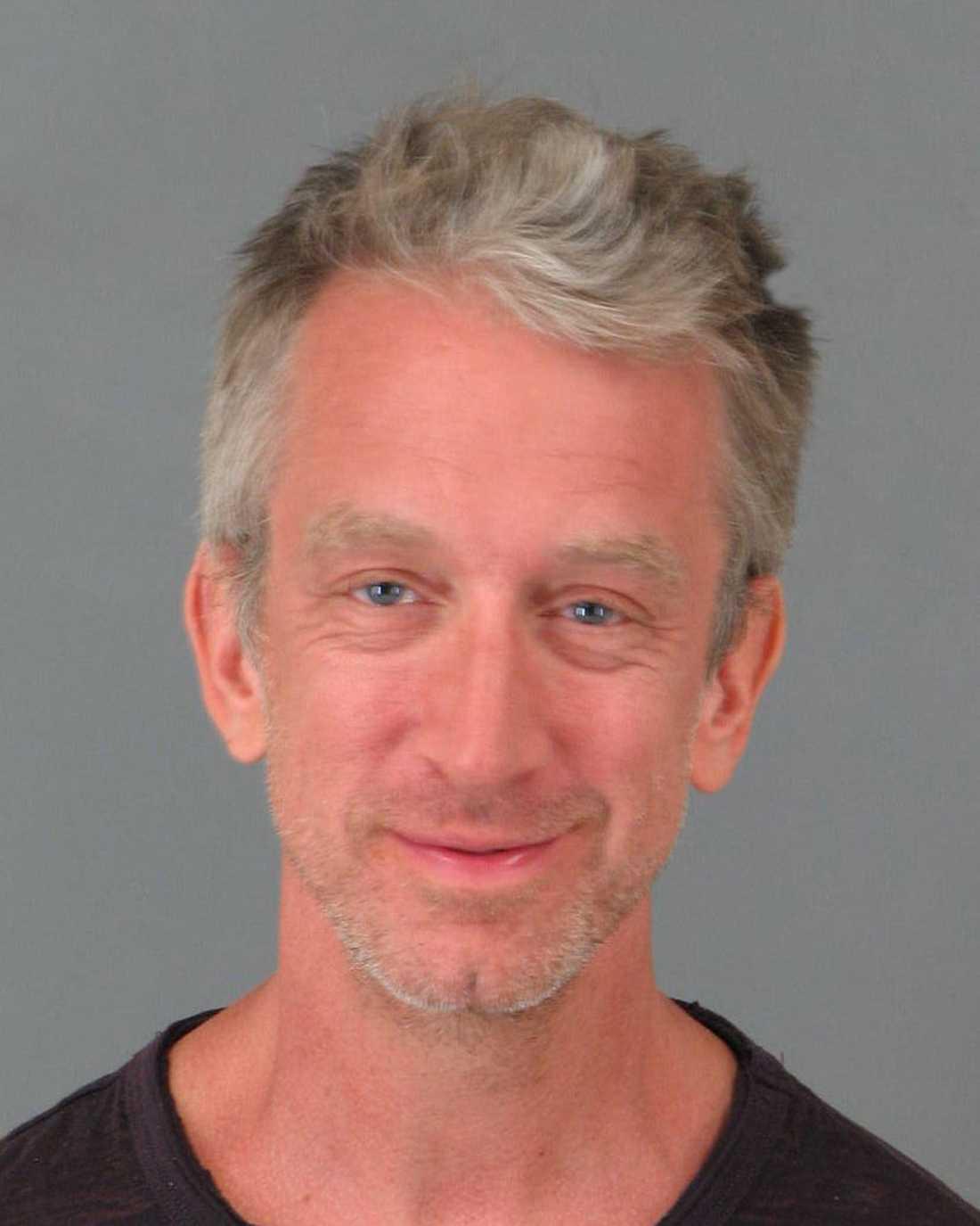 Andy Dick har gripits av polis otaliga gånger. Den 2 maj greps han för att ha varit påverkad och uppträtt störande.