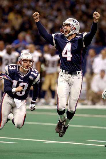 JAAA! Adam Vinatieri klippte till - och sparkade både bollen och sitt lag till himlen. Nederlagstippade Patriots hade gjort det ingen trott var möjligt: vunnit Super Bowl.