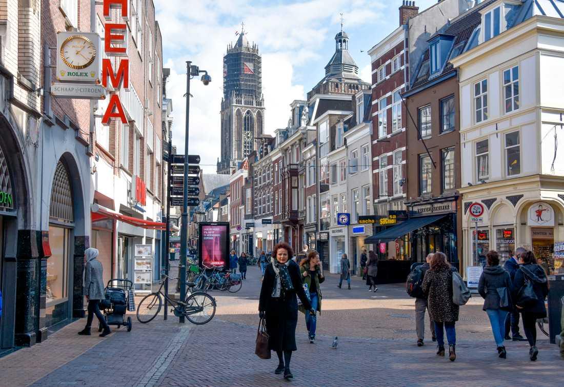 Utrecht är en elegant universitetsstad i Nederländerna, med typiska kanaler och småbutiker. Staden tillhör de rikaste områdena i hela Europa.