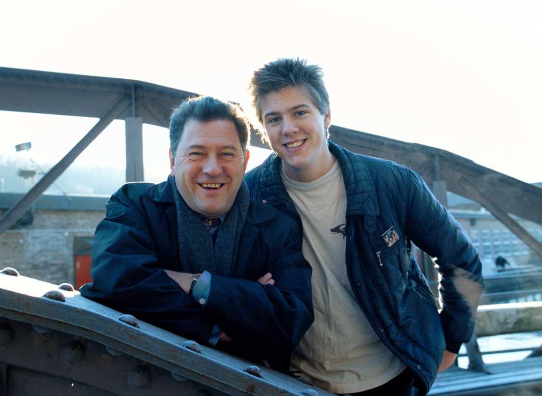 Anton Körberg med pappa Tommy år 1997.