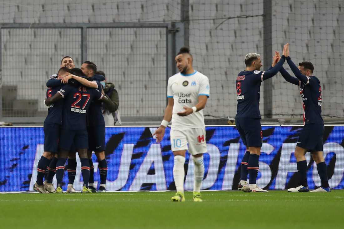 Marseilles Dimitri Payet utvisad när PSG vann klassikern.