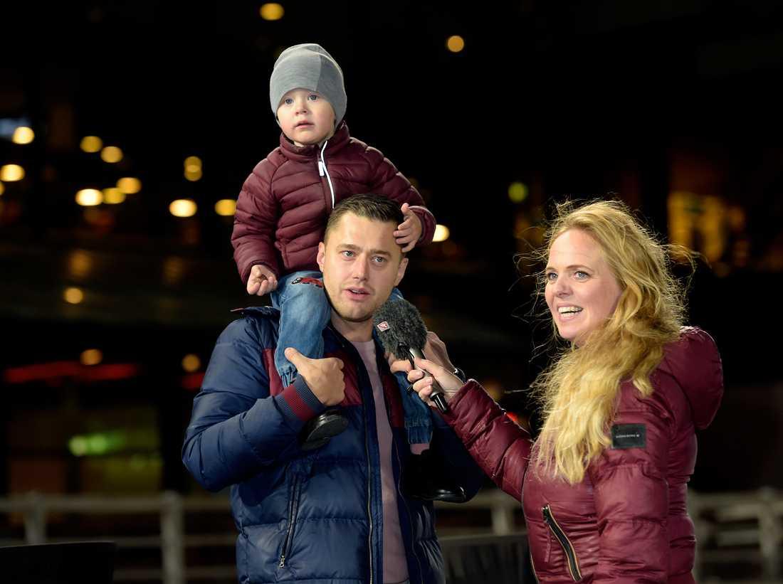 Per Skoglund med sin fru Paula, och sonen Ossian