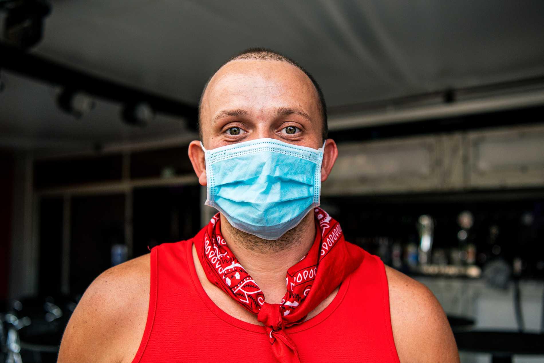 Gary, som uppträder som dragartisten Daisy Diamond, tror att queerbarerna i Yumbo center kan överleva pandemin.
