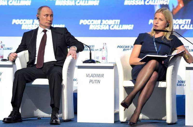 I fjol medverkade Cristina Stenbeck på scenen med Vladimir Putin på ett investerarforum. Få personer har kommit närmare makten över ryska medier.