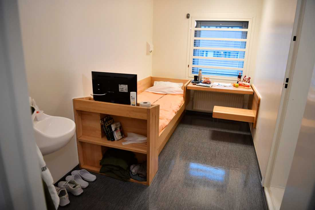 En cell på Kronoberg, som den såg ut när häktet höll öppet hus för pressen i december 2017 inför slutförandet av renoveringen.