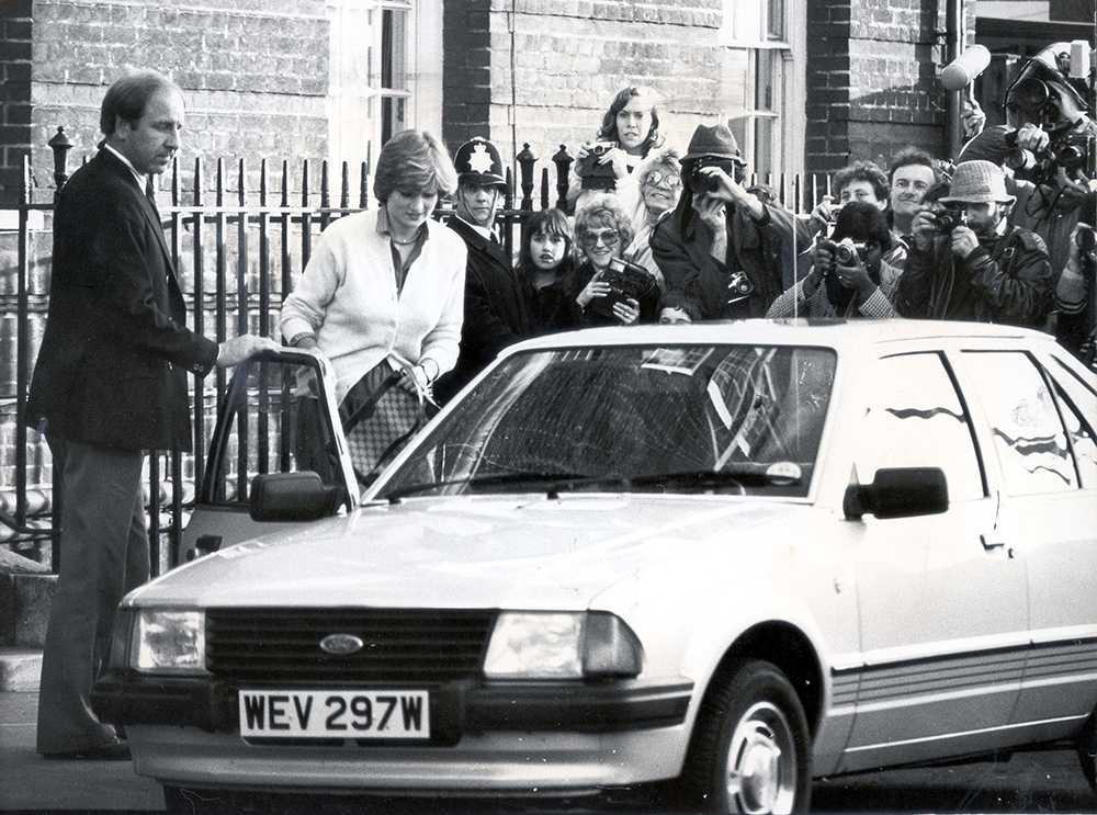 Prinsessan Diana sågs köra sin älskade Ford vart hon än skulle i London.