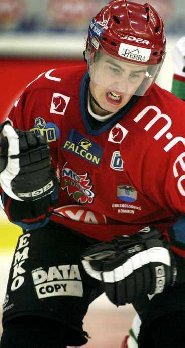 sticker igen Joakim Lindström har fått en rekordlång avstängning. Nu åker han till AHL - och riskerar en ny anmälan.