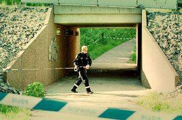 Här vid gångtunneln i området Kvarnberget i Falun hittade polisen den mördade, naken och strypt.