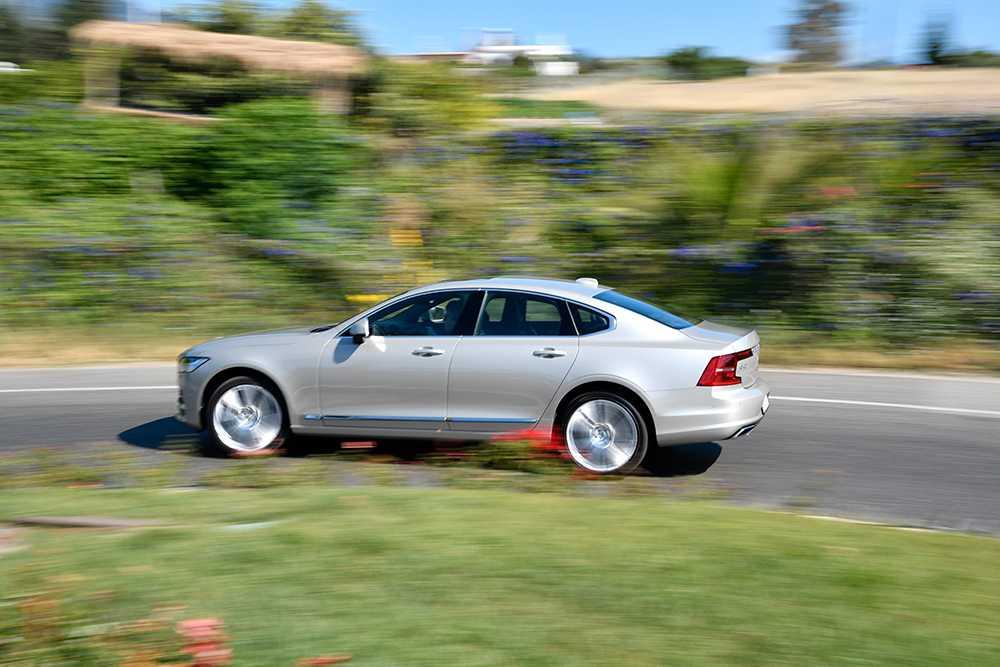 Volvo S90 är en av de populäraste dieselbilarna just nu.