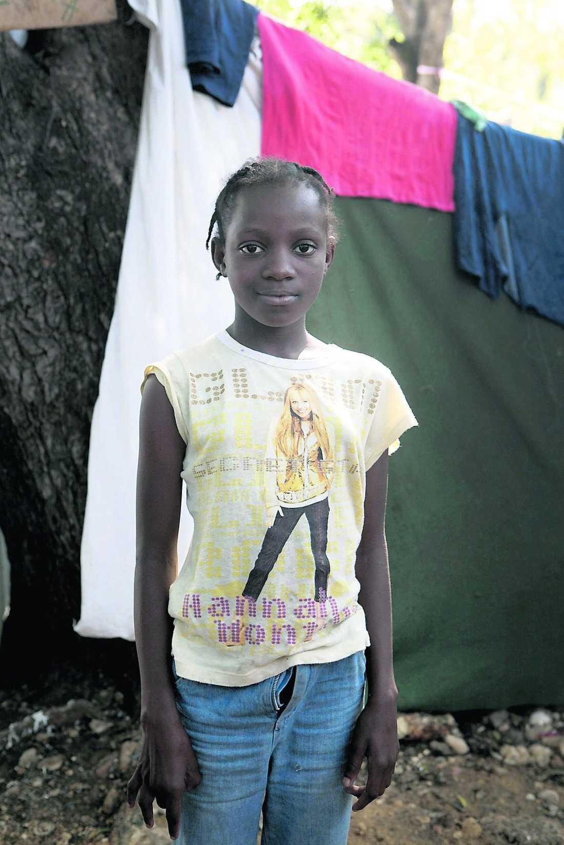 Cathiana Paul Fils, 9. Båda föräldrarna döda.