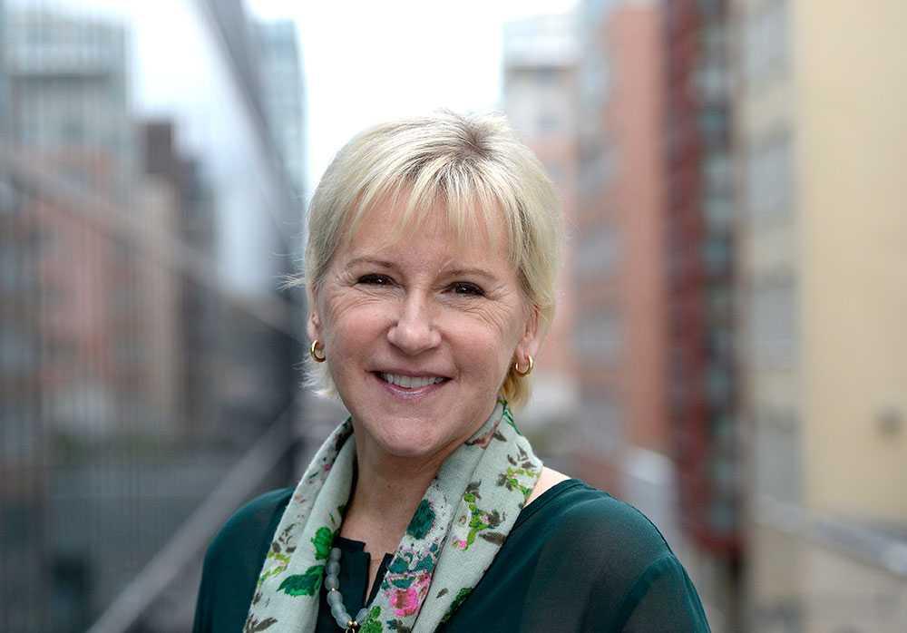 """Margot Wallström, 59, fd politiker, projektdirektör på Svenska Postkodlotteriet. Antal år i juryn: 1 (ny). """"Att vara med i juryn känns som ett hedersuppdrag. Hittills har det varit svåra val mellan alla välförtjänta nominerade hjältar – och väldigt mycket tårar och skratt på våra jurymöten."""""""