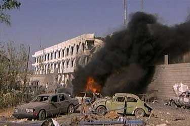 Förödelsen utanför FN:s högkvarter i Bagdad.