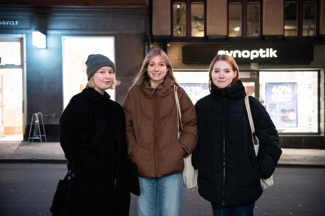 Johanna Fröde, Hanna Sandström och Molli Falk, alla 17 år.