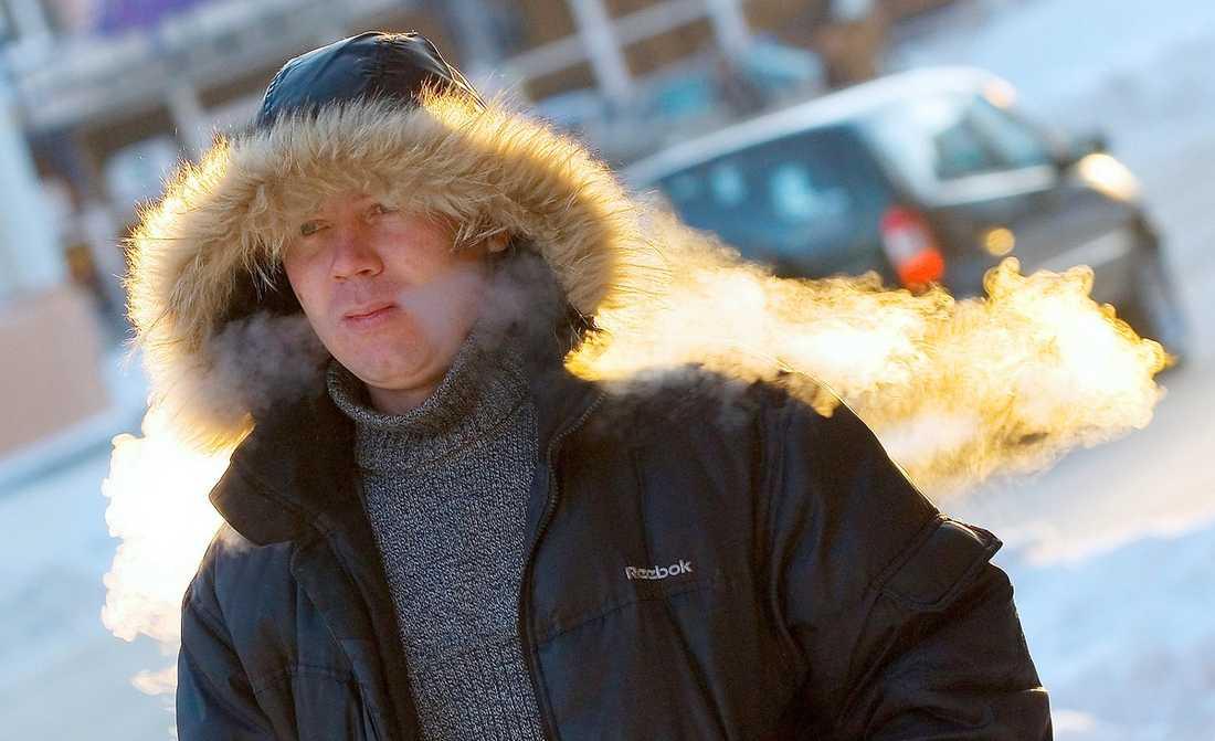 PÄLSA PÅ DIG! Nästa vecka är det dags för november att leva upp till ryktet som vintermånad då det väntas bli minusgrader i hela landet. Det är ett ryskt högtryck och vindstilla dagar som kommer att pressa ner temperaturerna.