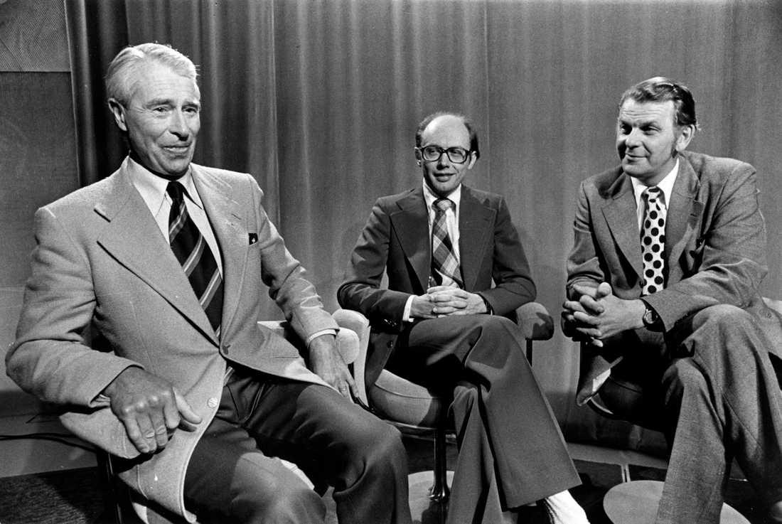 Gösta Bohman (m), Per Ahlmark (fp) och Thorbjörn Fälldin (c) väntar på valresultatet under valnatten 1976.