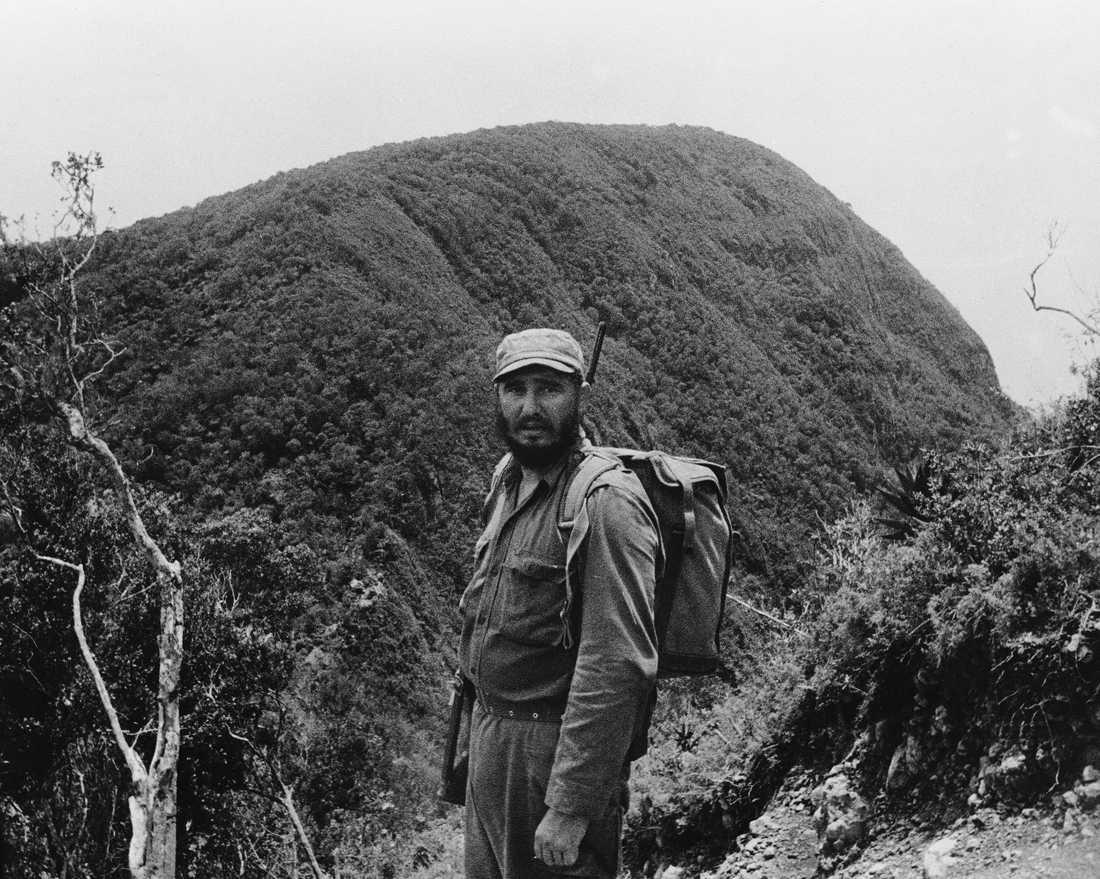 Castro under ett besök i Sierra Maestra 1962.