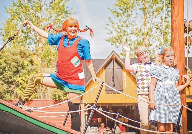 Astrid Lindgrens värld i Vimmerby. Här får barnen springa fritt och träffa Pippi Långstrump, Emil i Lönneberga, och Karlsson på taket.