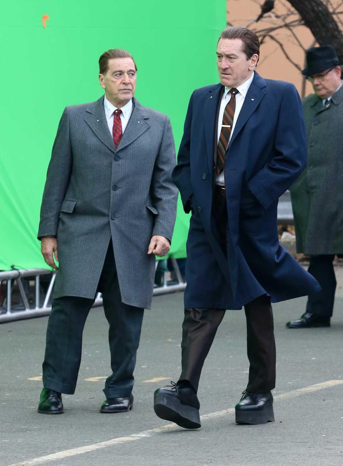 Robert De Niros platåskor är 16 centimeter höga.