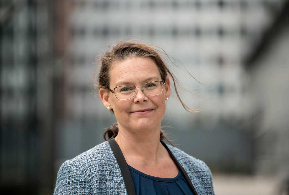 Åklagaren Helena Rosvall konstaterar att gränsen mellan vad som är grov oaktsamhet och likgiltighetsuppsåt är hårfin, vilket gör bedömningarna gällande det nya brottet oaktsam våldtäkt svåra.