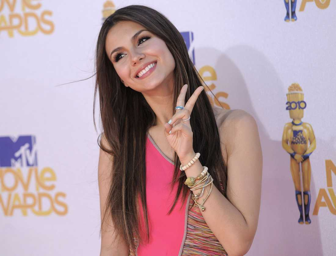 "Cirka 80000 kronor per avsnitt. Victoria Justice, 17, ""Victorious"", Nickelodeon."