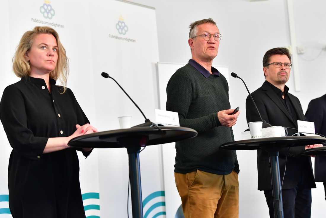 Socialstyrelsens krisberedskapschef Johanna Sandwall, statsepidemiolog Anders Tegnell från Folkhälsomyndigheten och Svante Werger från MSB.
