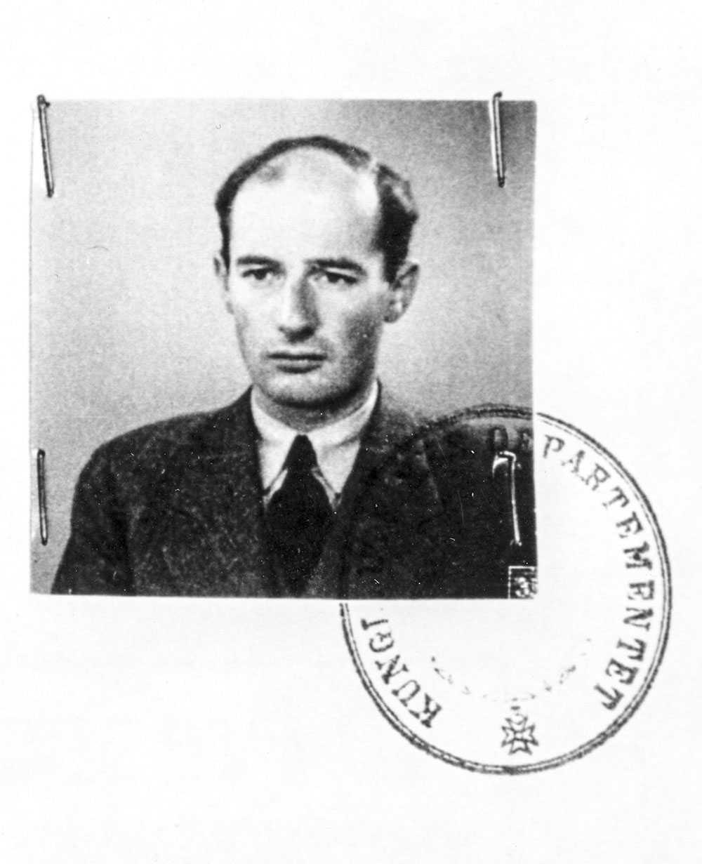Passbild på Raoul Wallenberg.