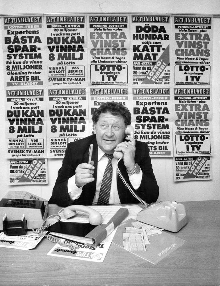 Svarar på frågor från Aftonbladets läsare om Lotto, en populär nymodighet när det begav sig 1985.