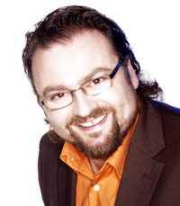 Byter kanal Adam Alsing får ett nytt nummer i tv-rutan.