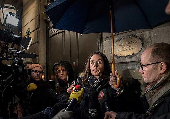 Svenska Akademiens ständiga sekreterare svarar på frågor efter krismötet om hur man ska hantera den anklagade kulturprofilen.