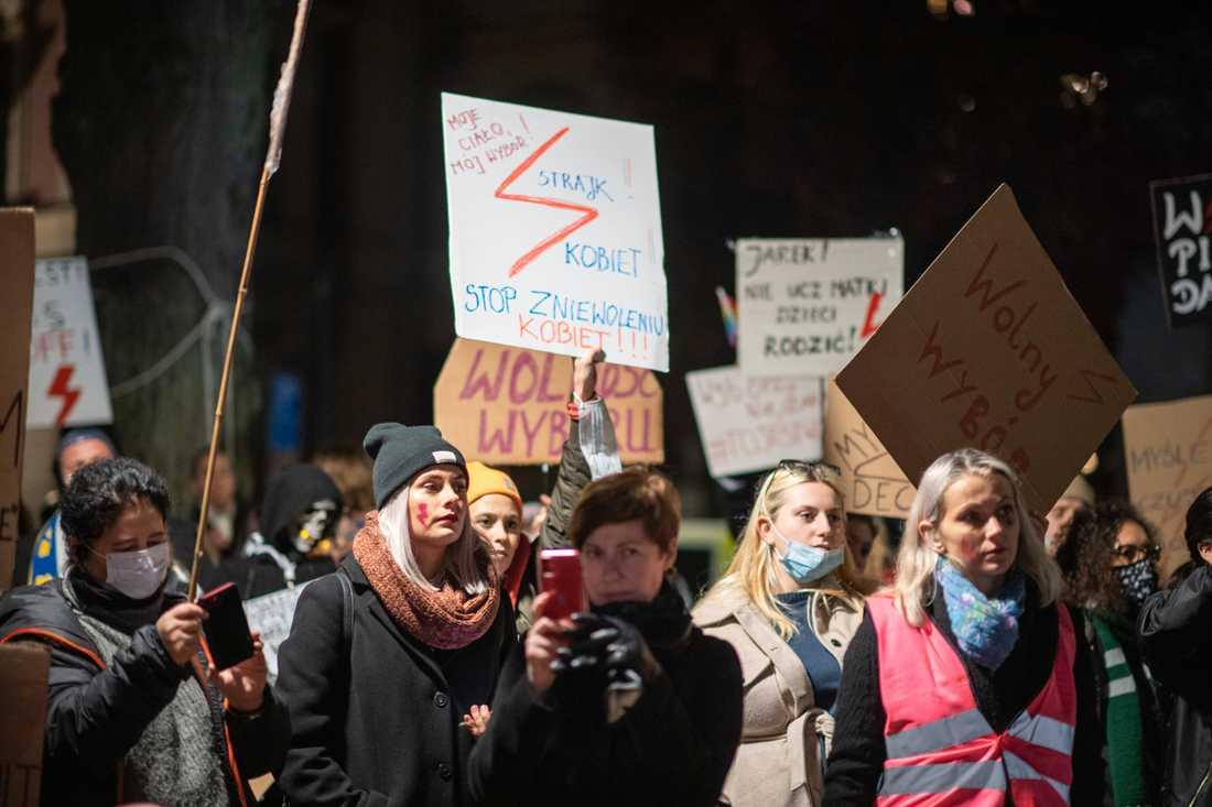 Demonstration i Stockholm i oktober mot förbud mot de flesta aborter i Polen. Arkivbild.