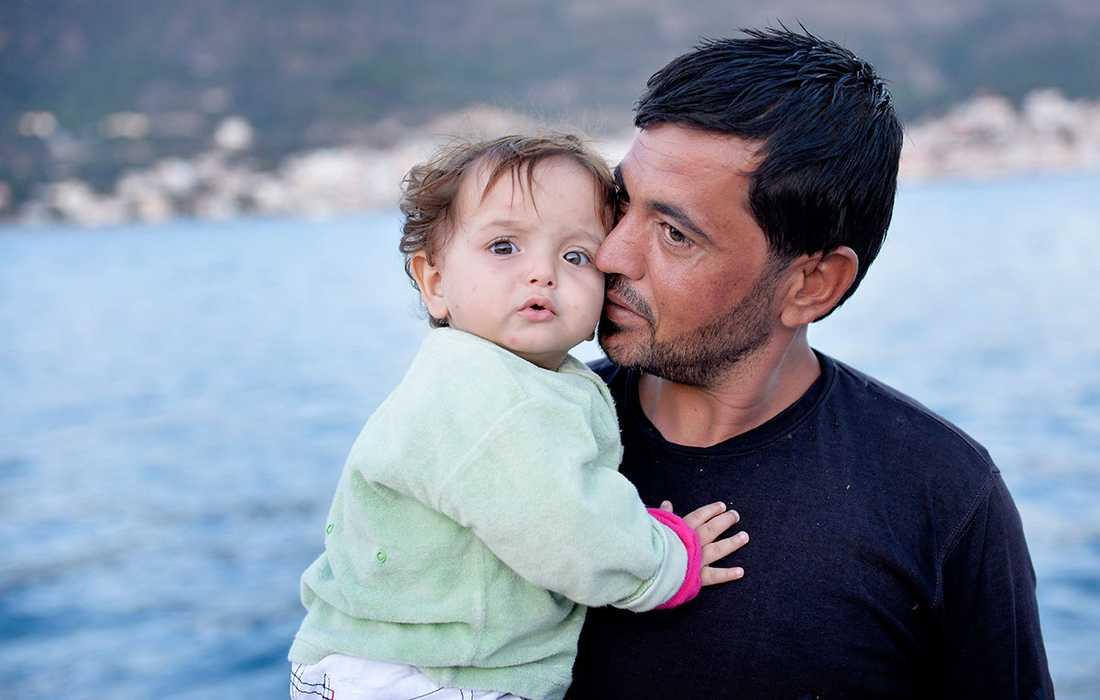 Ahmed och hans pappa räddades av Gula båtarna.